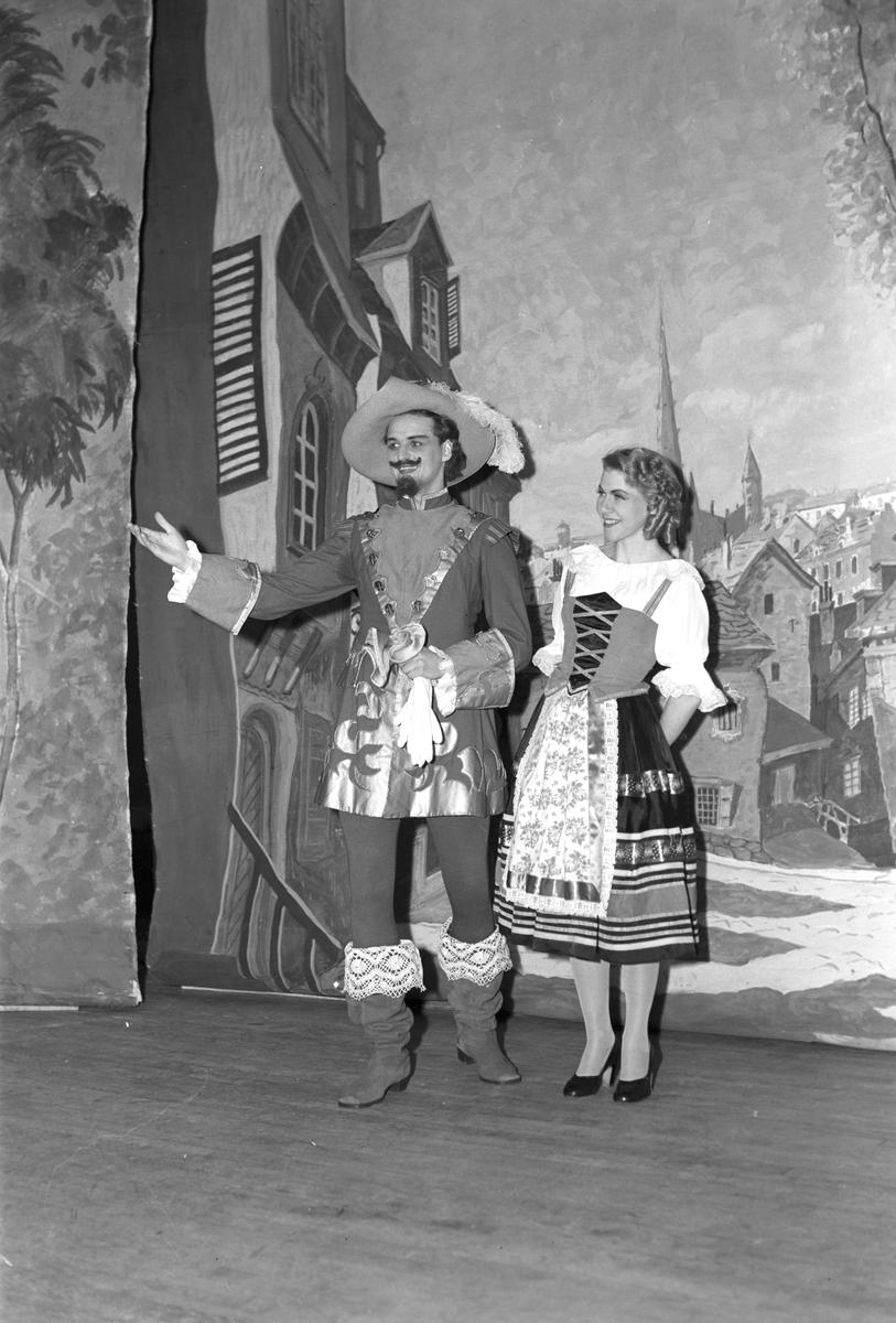 """Operetten """"Cornevilles klockor"""". År 1949."""