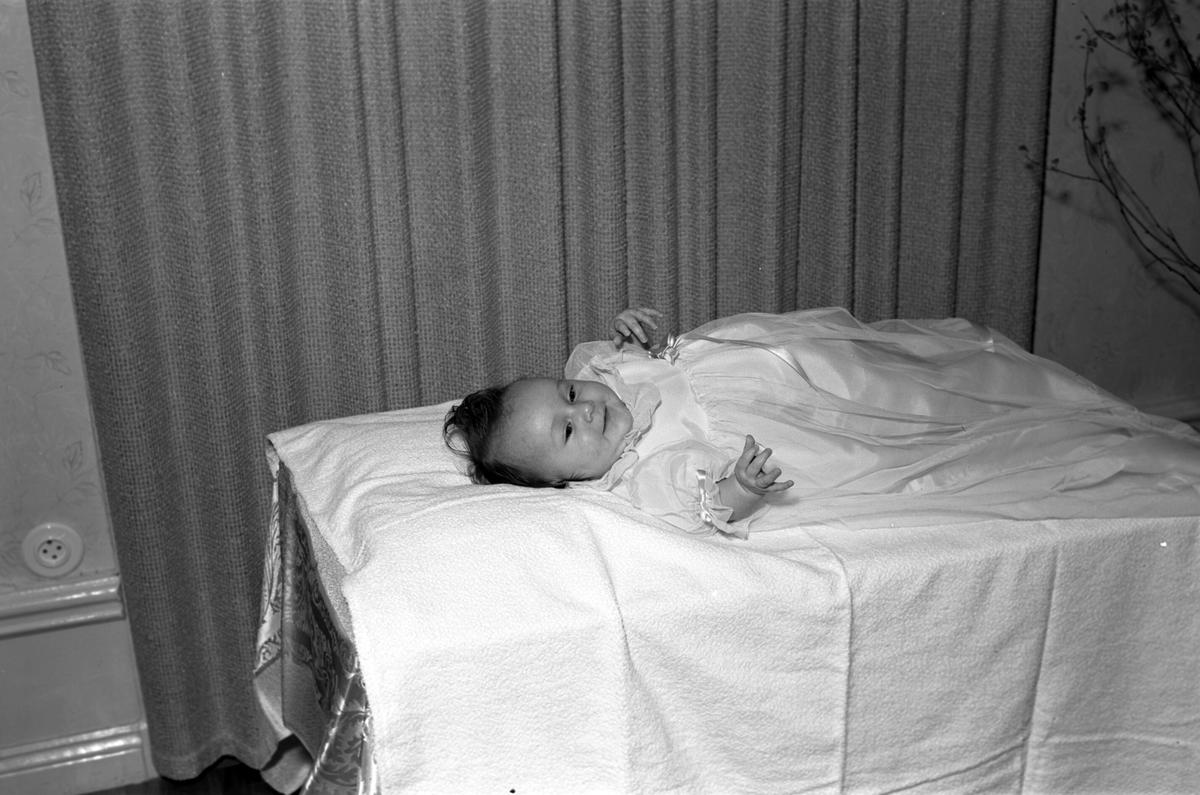 Barndop. 6 april 1947. Disponet Johansson, Svedens Herrgård.