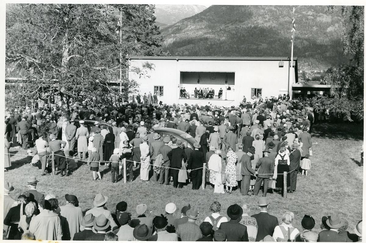 Frå opninga av jubileumssjået i Seljord i 1956