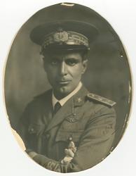 Porträttfotografi av den italienske ingenjören Umberto Nobil