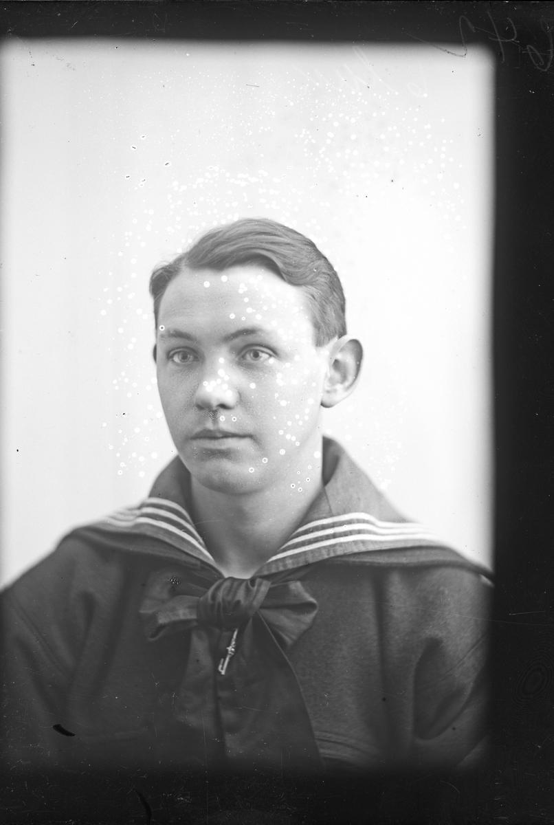 Portrett av Einar Fredriksen.