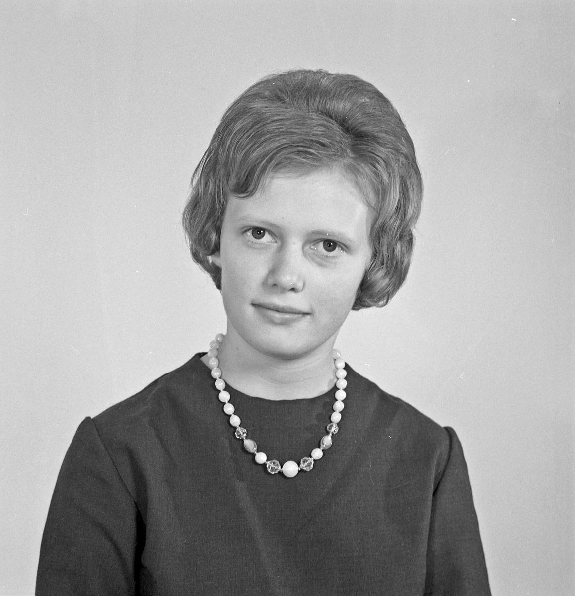Portrett - ung kvinne - bestiller Gunnvor Haraldseid