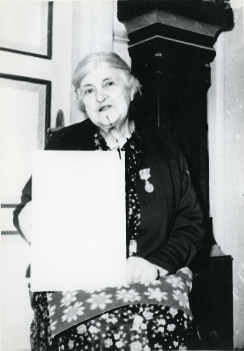 Tonetta Øverby.