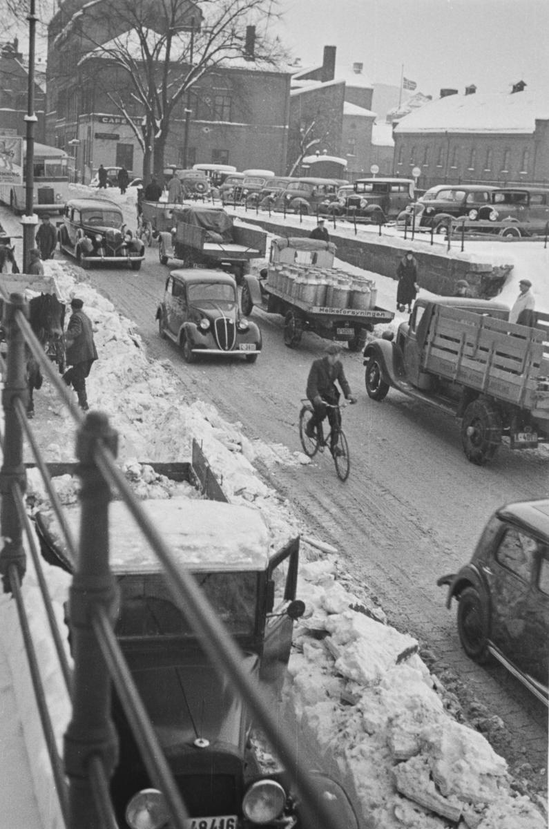 Travel trafikk i Rådhusgaten i Oslo.