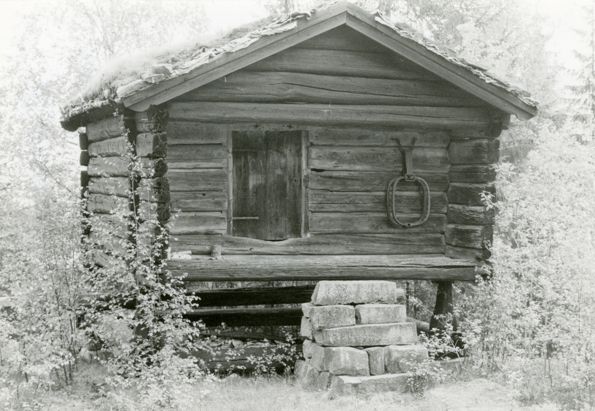 Stabbur på Bauthaugen, Hedalen, Sør-Aurdal.