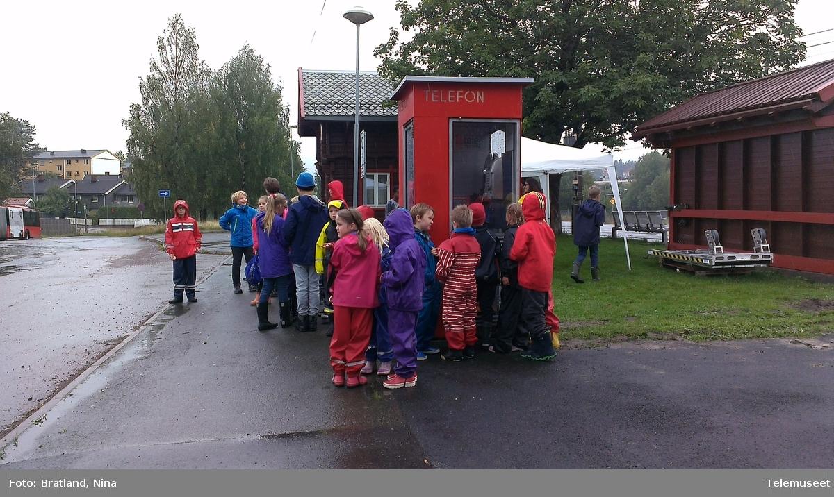 Kjelsåskiosken et prøverom ved Telemuseet på Kjelsås jernbanestasjon Åpning av lekebyttekiosk
