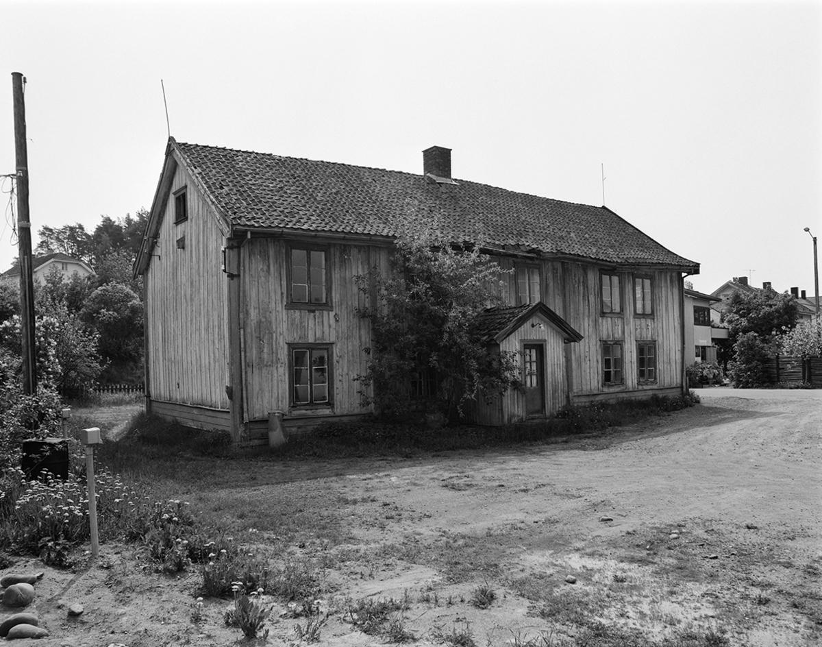 Bakkengården i Gamlegata, Brumunddal. Eksteriør.