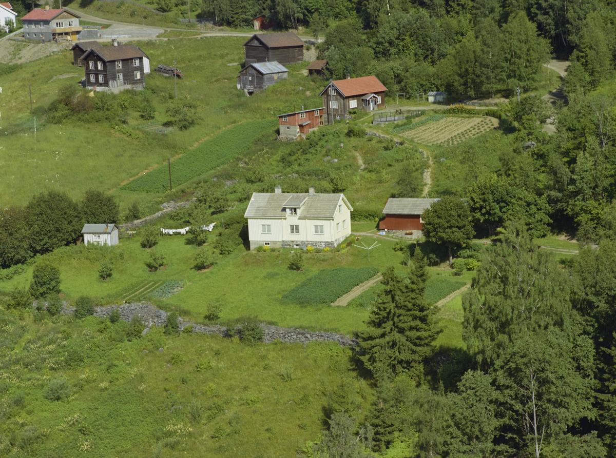 Lillehammer, Vingrom. Det kvite huset er Døsvegen 172