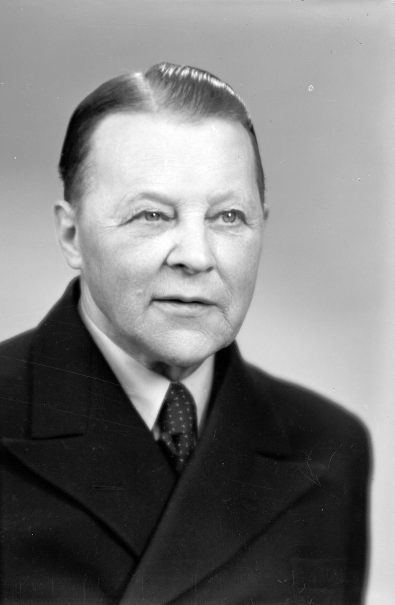 Herr O. W. Linder, Box 259, Kopparberg. 20 april 1946.