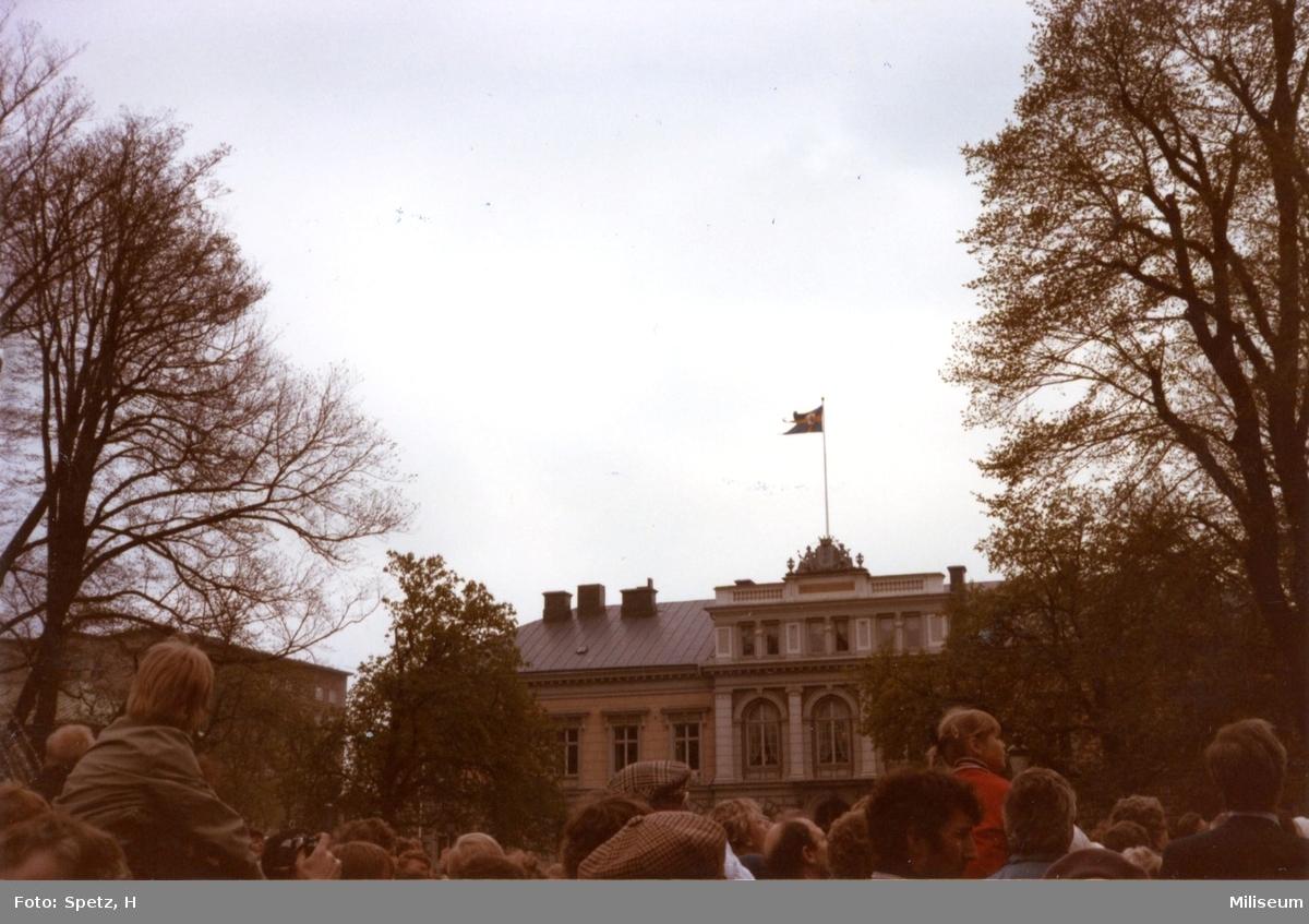 Jönköping 700 år. Kungliga flaggan på Länsresidenset.