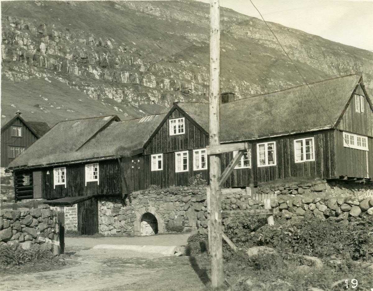 Kirkjubøur, bygd på vestkysten av Stremoy på Færøyene.