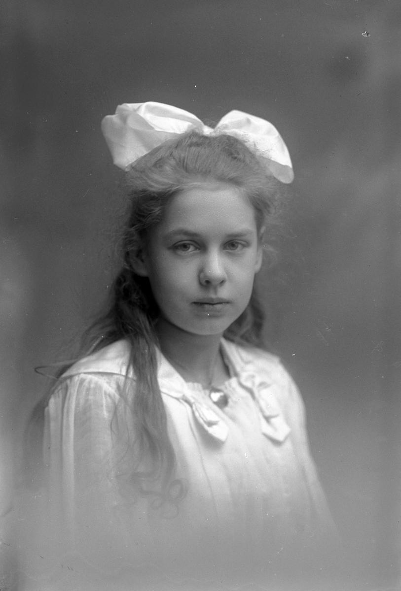 Astrid Engvall, Södra Rådmansgatan 15, Gävle