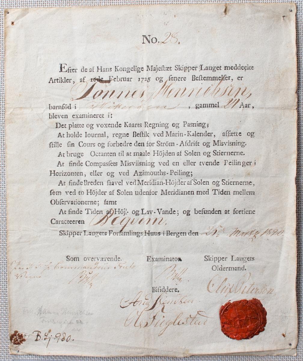 Eksamensbevis. Attest fra Skipperlaugets Hus i Bergen datert 25.3.1820, dokumenterer  at Tønnes Henrichsen etter eksaminasjon har fått karakteren Bekvem