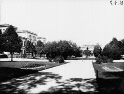 Gävle stad – Parker, Esplanaden. Esplanaden med Läroverket