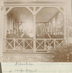 Musiken och verandan.