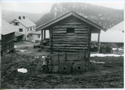 Stabburet på garden Dølvesskaret, Sør-Aurdal.