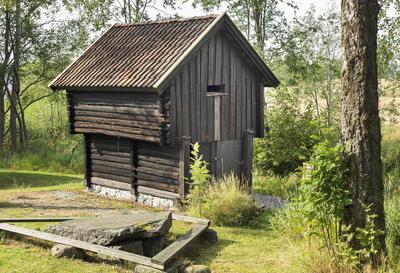 Kjona_fra_Haugen_-_Aurskog-Hland_bygdetun_-_MiA_Museene_i_Akershus.jpg. Foto/Photo