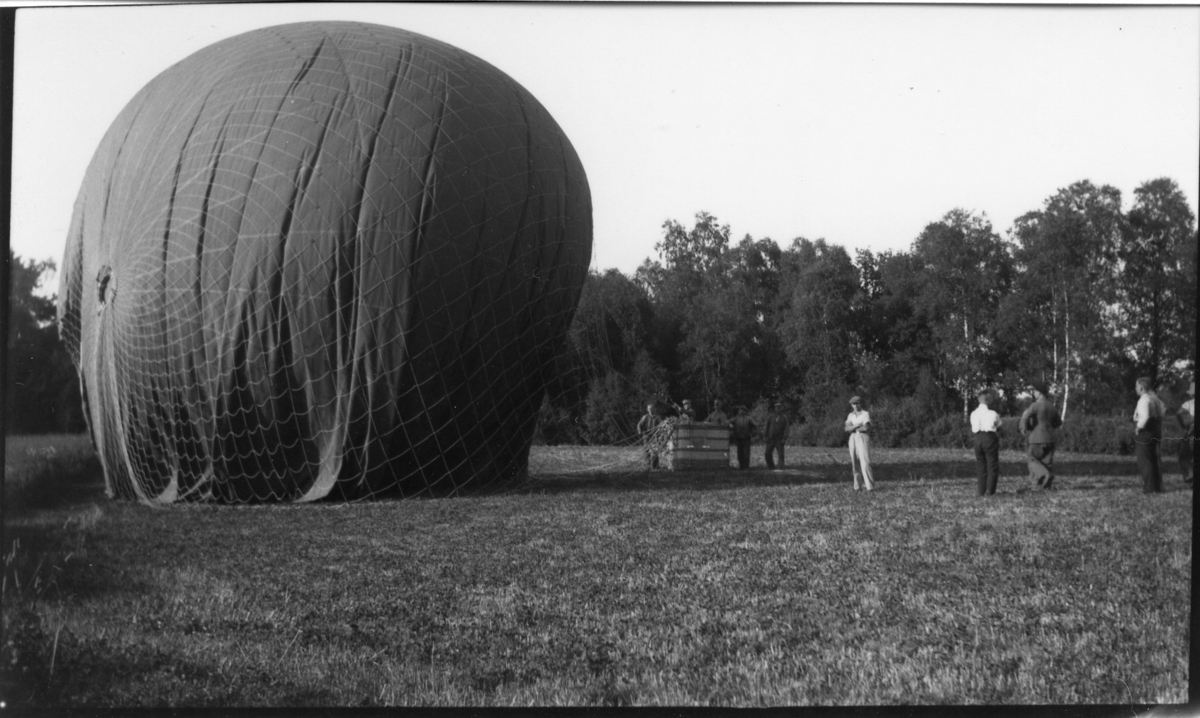 Kulballong m/1930 har landat.