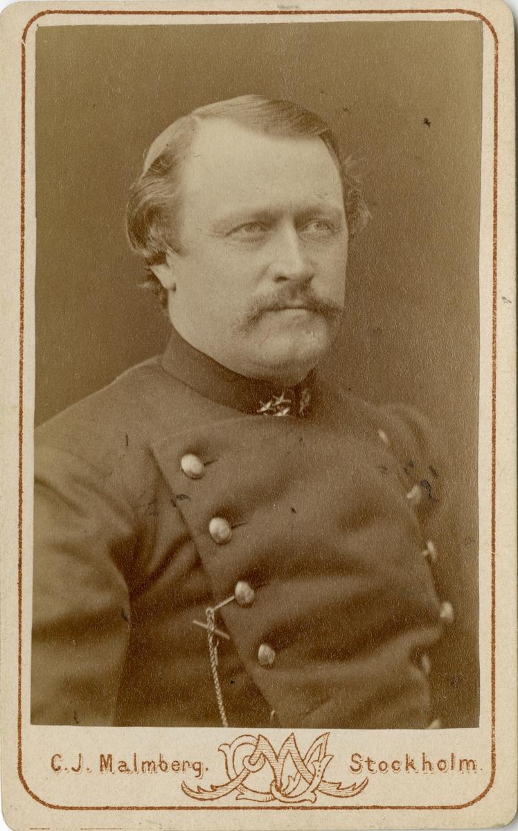 Porträtt av Wilhelm Gerhard de Geer, kapten vid Upplands regemente I 8. Se även AMA.0007435 och AMA.0007421.