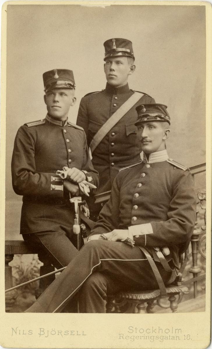 Porträtt av Bertil Lilliehöök, Gösta Lillehöök och Fredrik Falkenberg vid Krigsskolan 1891.