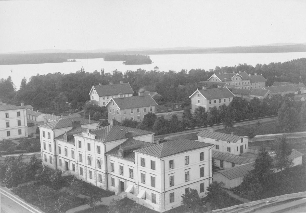 Bostad för artilleribefälet vid Karlsborgs fästning.