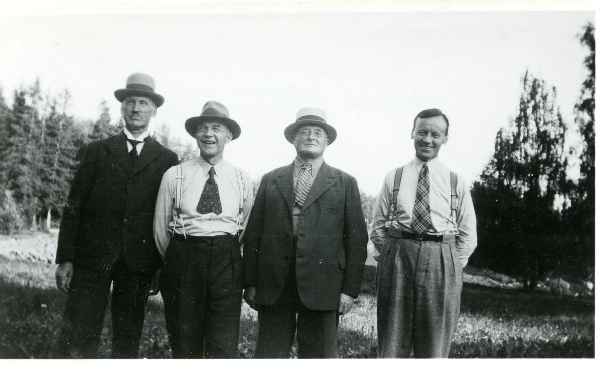 Olaus Islandsmoen, Herman Karlsgot, Søren Berge og Mikjel Sørlie.