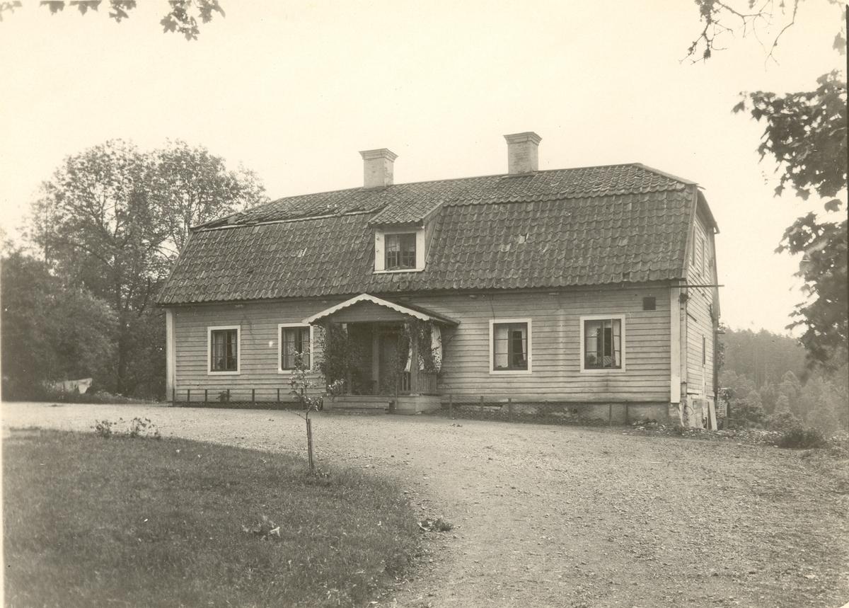 Huvudbyggnaden på Grävsätters gård.