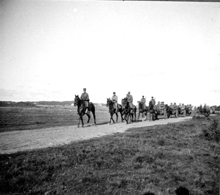 Kanon m/1902. 7,5 cm. Marsch. Tånga Hed.