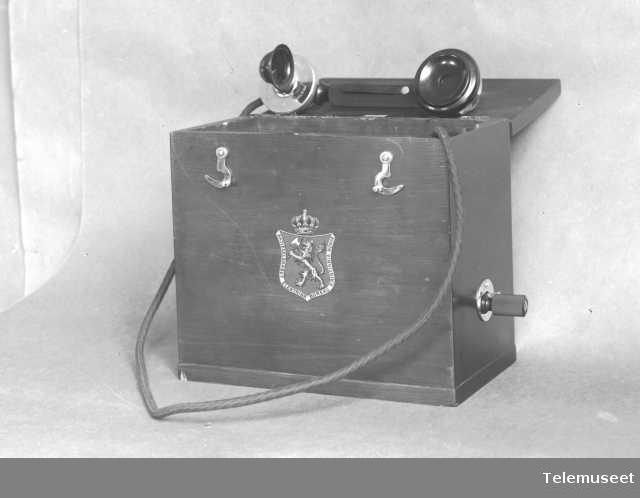 Telefon, feltapparat for skytebaner. Billig type. Åpent. Juli 1914. Elektrisk Bureau.