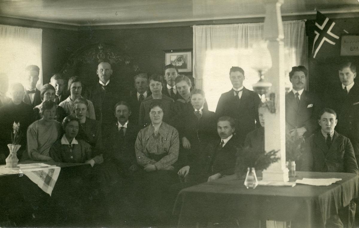 Elever og lærere ved Vestoppland folkehøgskule.