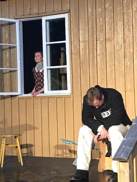 Scene fra teaterstykket.