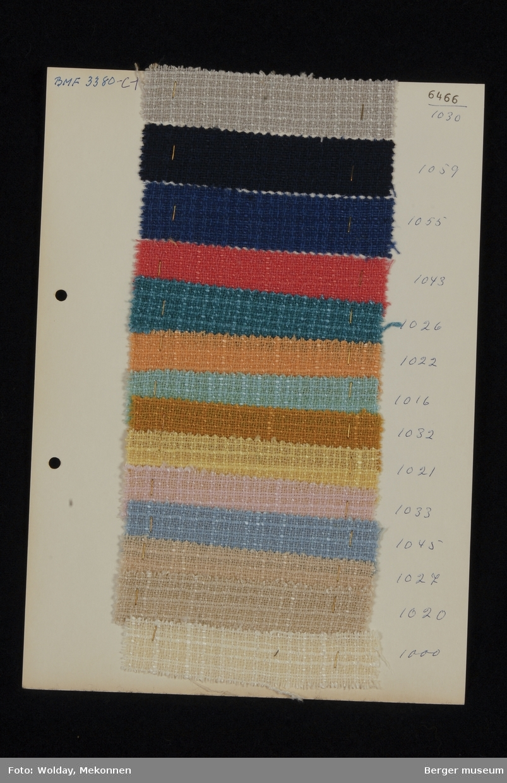 Ark med 14 prøver Drakt Kvalitet 6466 Stykkfarget