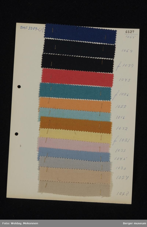 Ark med 14 prøver Kjole/Drakt Kvalitet 6527 Stykkfarget