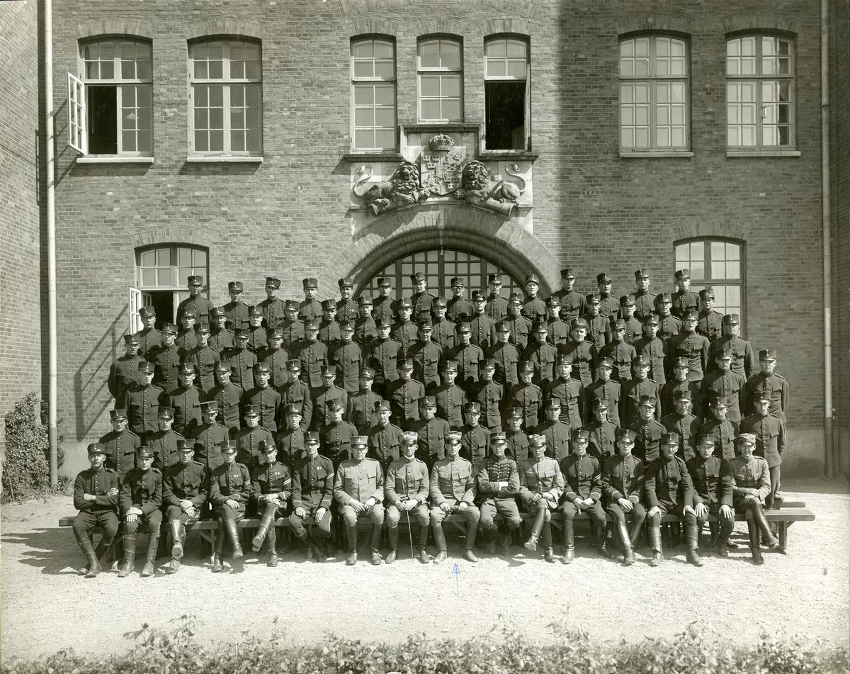Grupporträtt av Smålands arméartilleriregemente A 6 i början av 1930-talet.