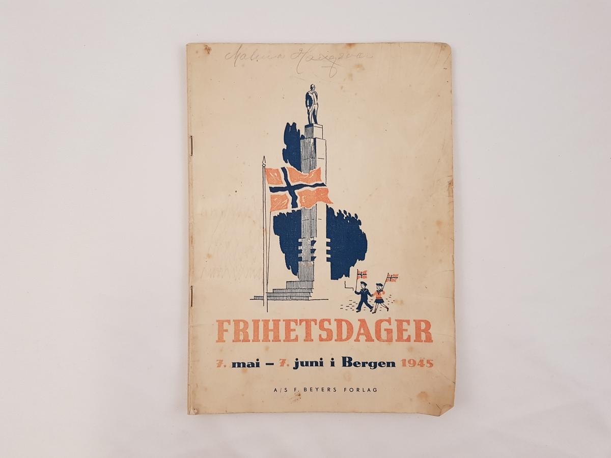 Heftet er laget i papir med trykt skrift på norsk.