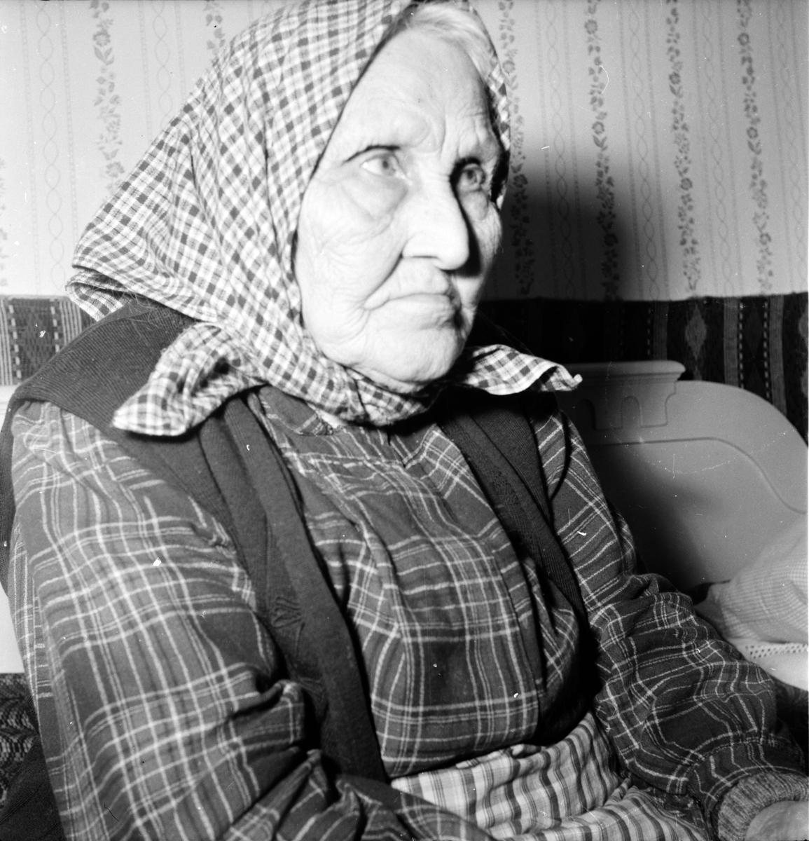 Söräng, Studion, Maria Öberg m. döttrar, Emy Brolin m. syster
