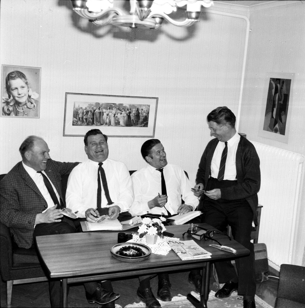 Arbrå, Lionstyrelsen ordnar för Röda Fjädern, April 1969