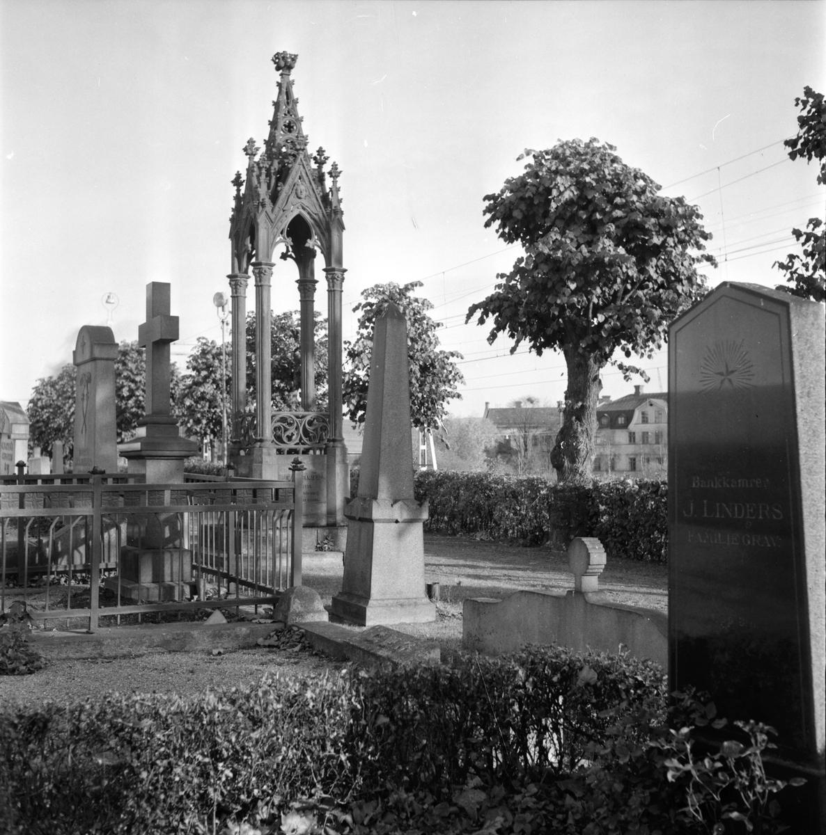 Bollnäs kyrkogård, Olika slag av gravvårdar, 19 Oktober 1965