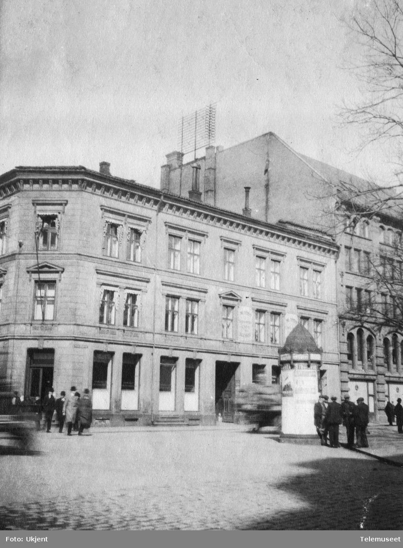 Bygård i Oslo med takstativ
