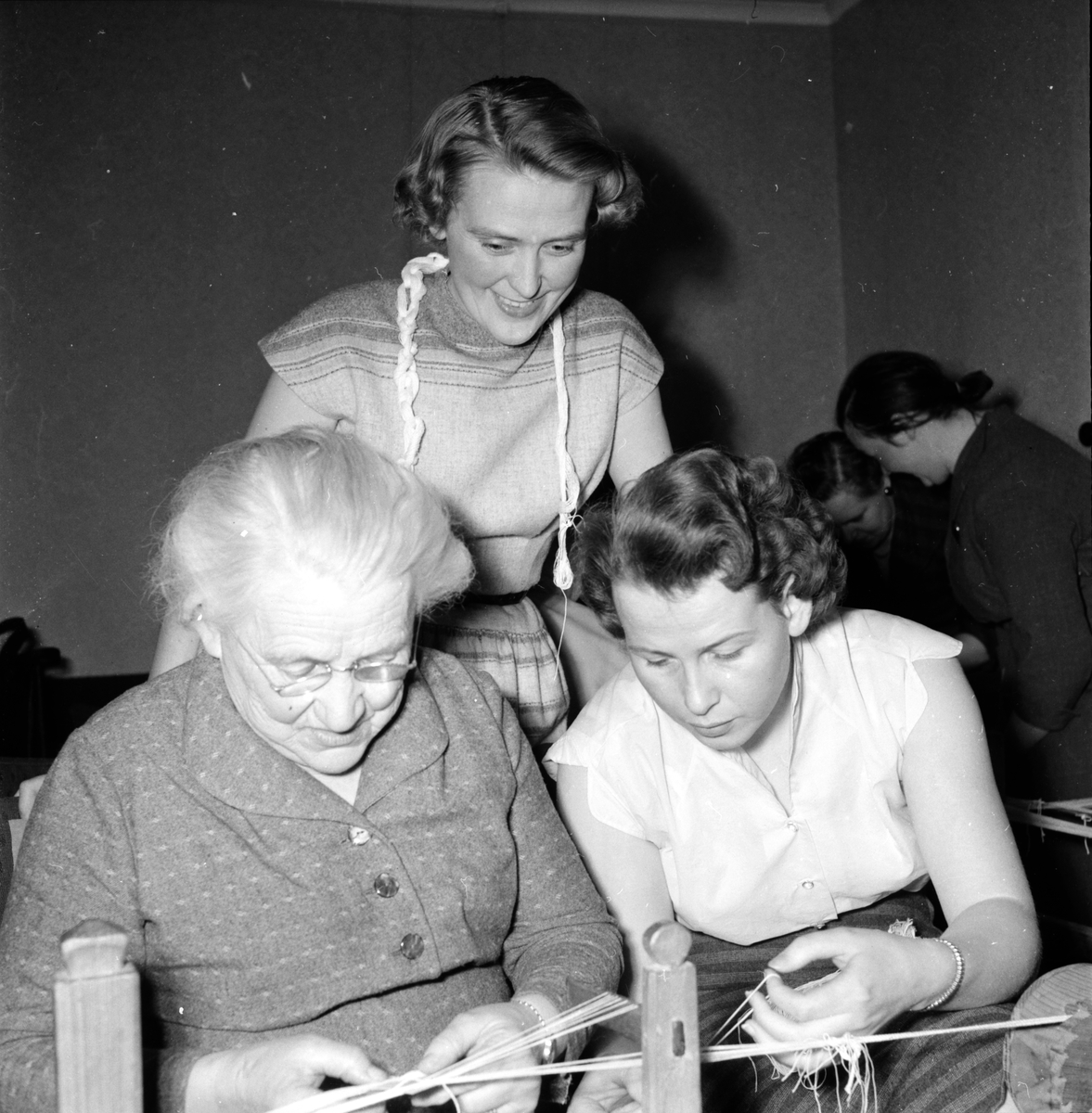 Bollnäs, Bandvävnad, Kursen börjar, Hemslöjden, 12 april 1956