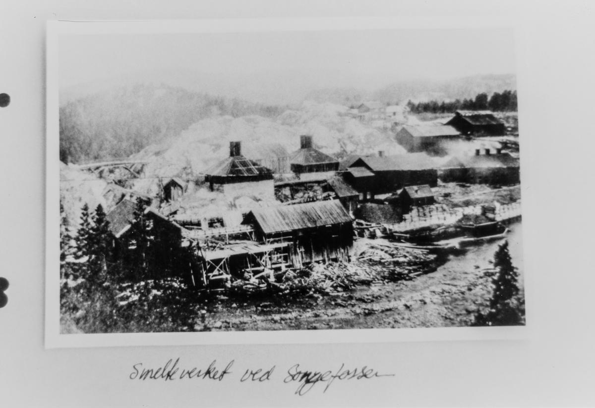Bøylestad gruvers smelteverk ved Songefossen.