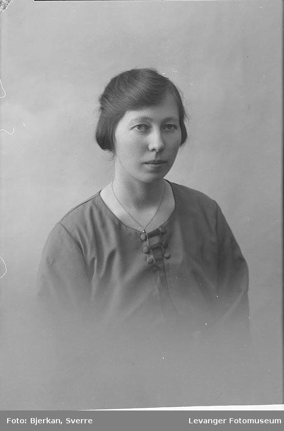 Portrett av Nikkoline. Lauvsnes.