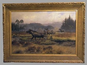 """Enligt liggaren:  """"Oljemålning av Axel Borg. Älgfamilj med 5 stycken djur, på myr med barrskog i dimridå i bakgrunden. Duken st. 234 x 186 cm med 25 cm. bred förgylld ram."""" :: Montering/Ram: Monterad i förgylld ram med eklövsornament."""