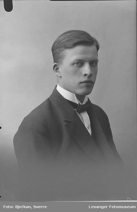 Portrett av Bjarne Fjessen