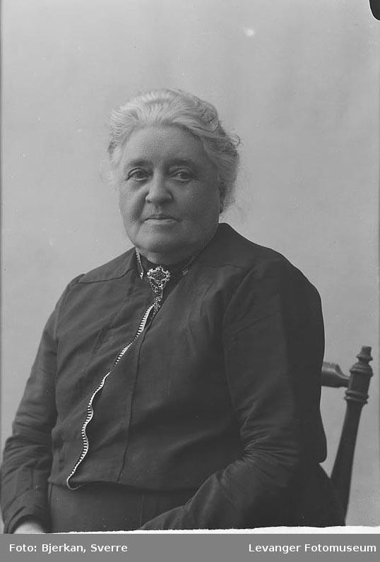 Portrett av Buch Anna.