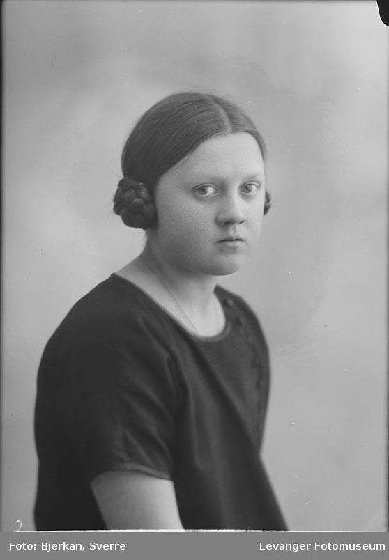 Portrett av Aslaug Tingstad.