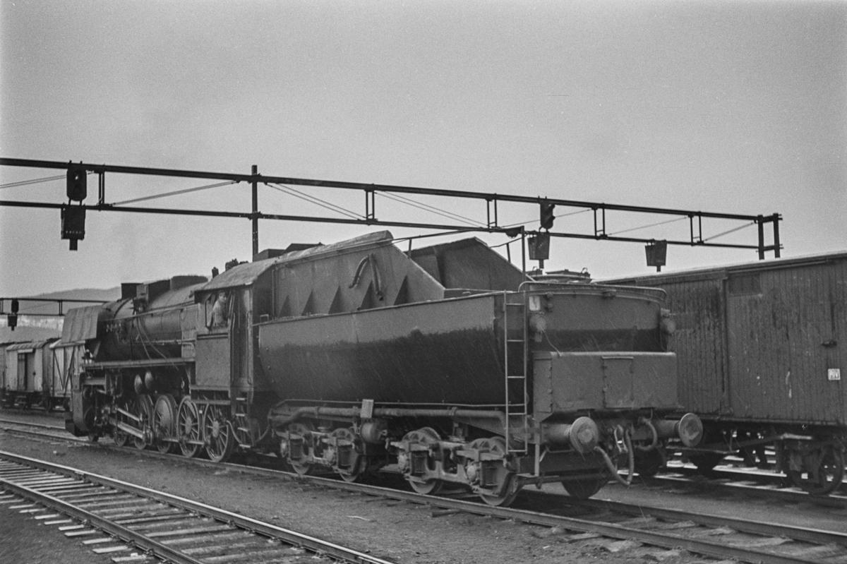 Damplokomotiv type 63a nr. 5113 på Trondheim stasjon.