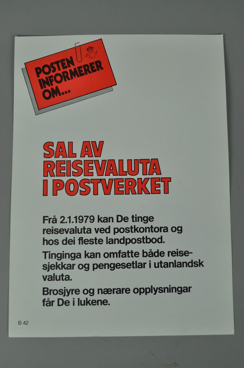 Salsplakat. Rektangulær plakat med tekst og bilde. Lys bakgrunn og skrift i flere farger.