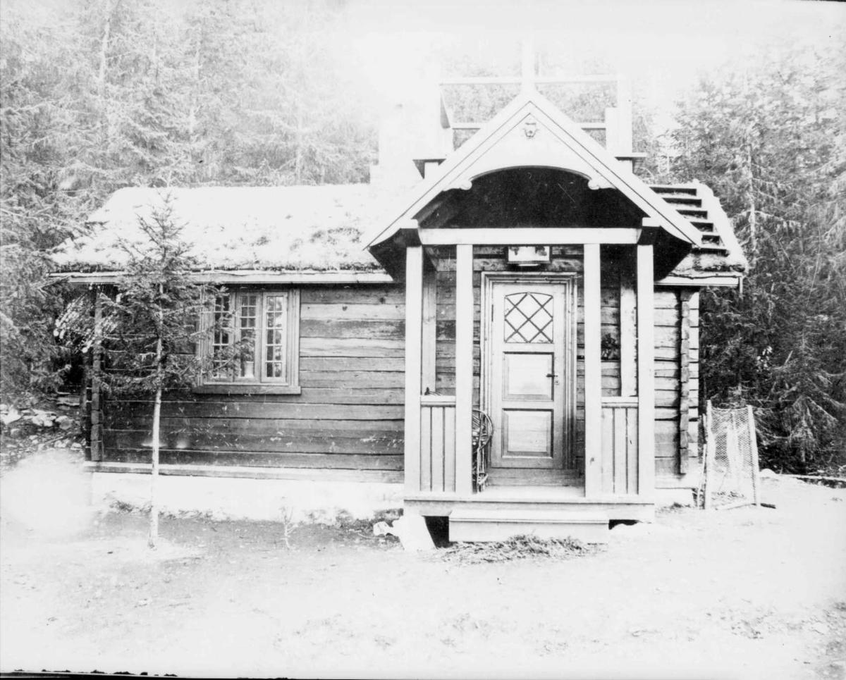 Repro: Marcello Haugens hytte ved Mesnaelva, Lillehammer.