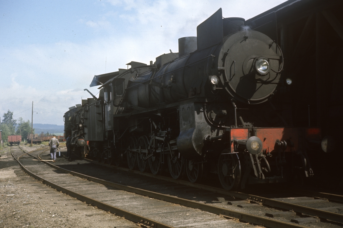 Damplokomotiv type 31b nr. 451 på Kongsvinger stasjon.